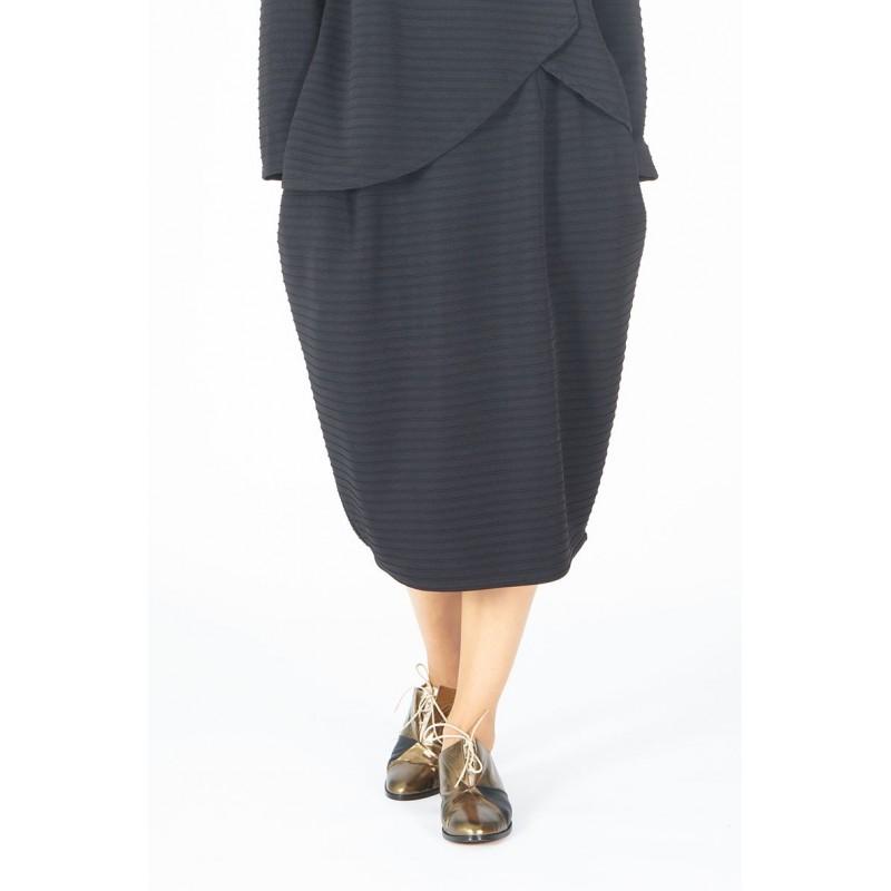 310c1b962b Falda trapecio negra talla única estilo oversize falda negra