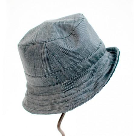 Squared hat Freya