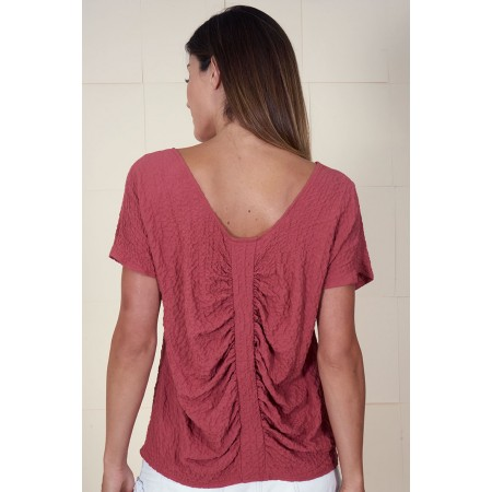 Dropped sleeves garnet shirt Kathe with a gathered strip on the back.