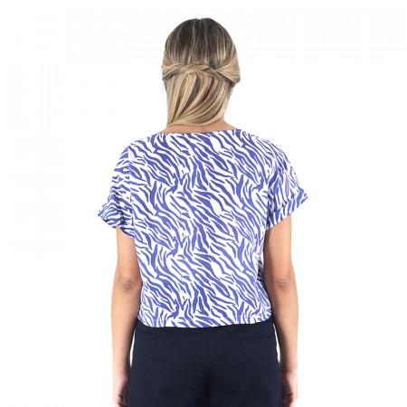 Blusa zebra azul con manga corta caída