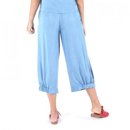 Foto posterior del pantaló corsari tencel blau clar Dona Kolors