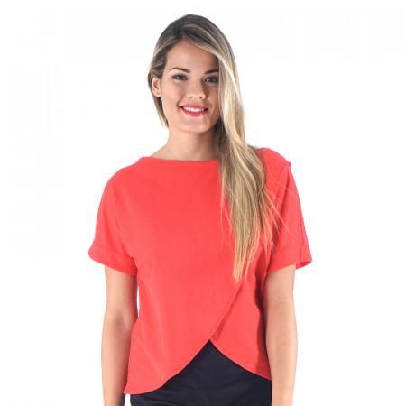 Camiseta roja de punto cruzada