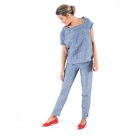 Blusa de lino azul y pantalón de lino azul