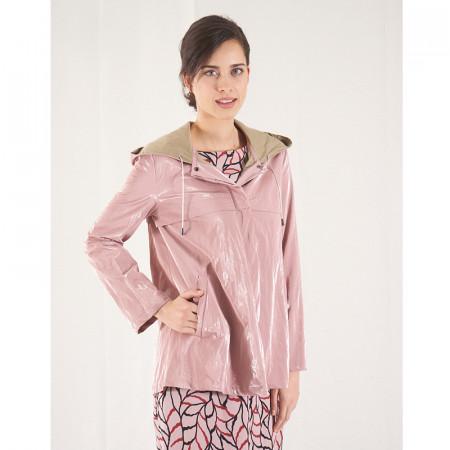 Gavardina impermeable amb butxaques i caputxa rosa metal·litzada