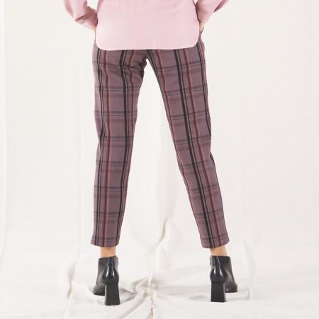 Pantalón a rayas rosas y grises