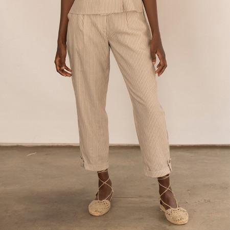 Pantalón corsario a rayas beige de lino y viscosa