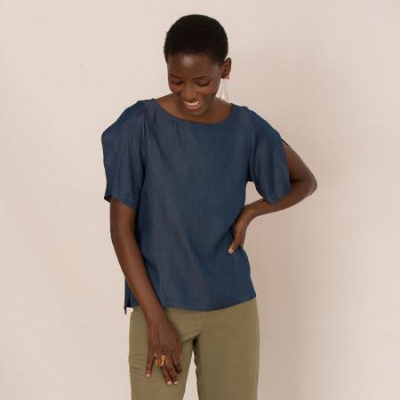 Blusa de tencel azul