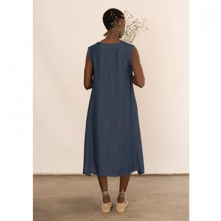 Vestido azul de tencel de largo asimétrico sin mangas