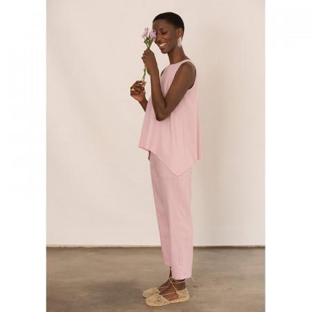 Conjunto de blusa rosa de lino y viscosa y pantalón tobillero